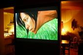 Ekran Goo kina domowego na ścianie